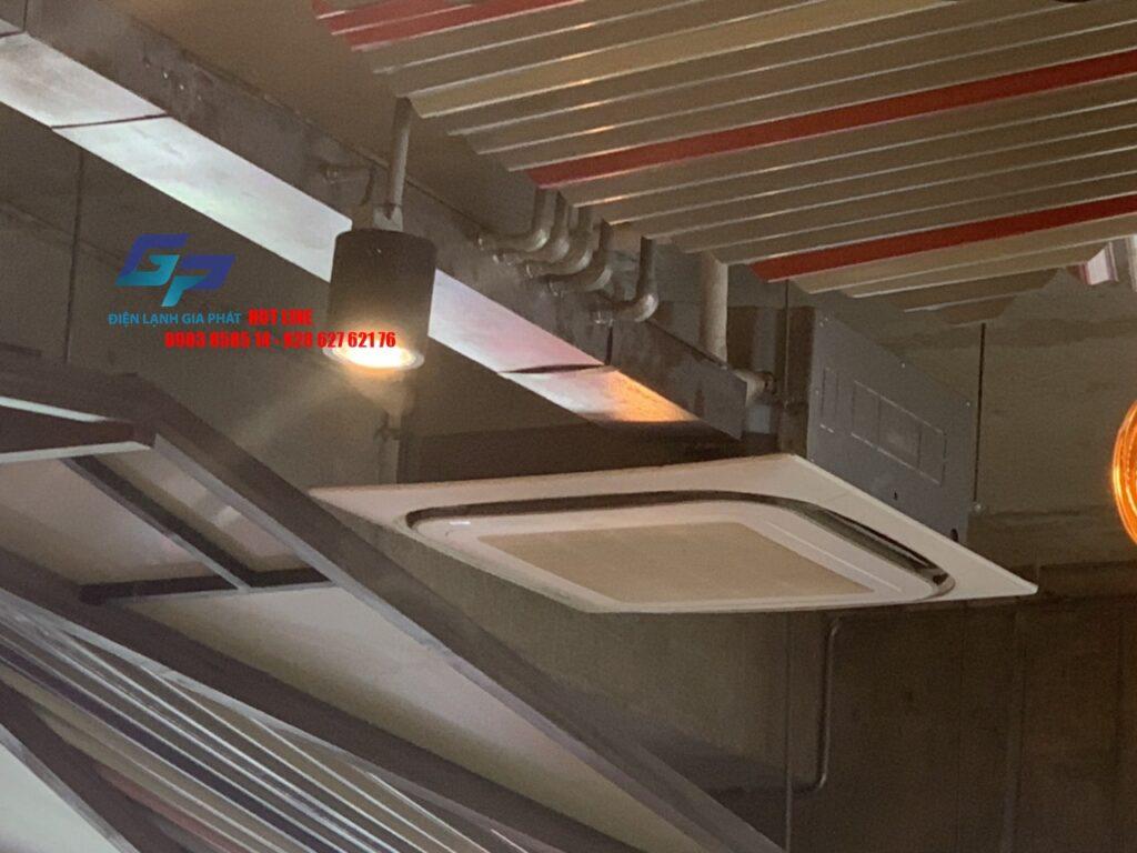 Sửa máy lạnh âm trần chảy nước tại Quận 7